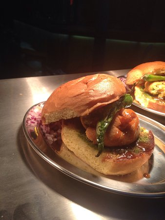 Shirley, UK: Lovely mix grill and vada pav. Prawab salad