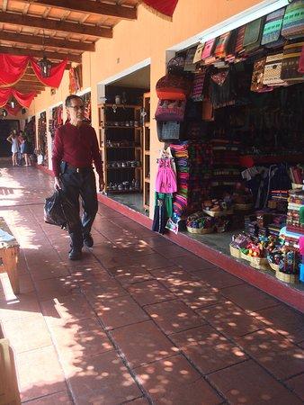 Mercado de Artesanias : photo0.jpg