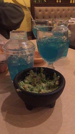 Puerto Nuevo Restaurant : Margaritas & Fresh Guacamole