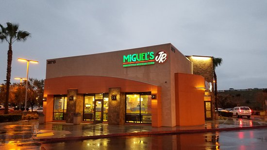 Murrieta, CA: Miguel's in the rain