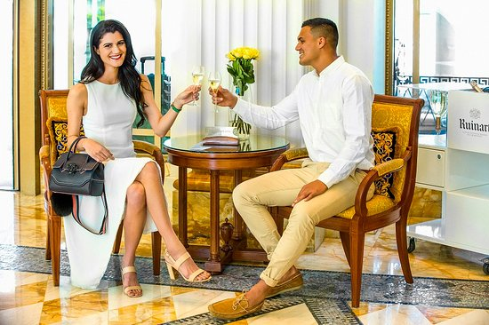 Palazzo Versace: Enjoy a refreshing welcome drink on arrival