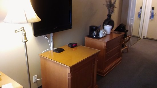 Mini fridge bureau w coffee maker picture of hotel etoile sur