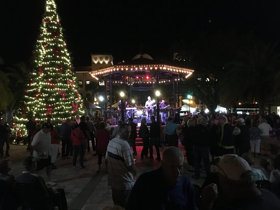 Lady Lake, FL: town Square