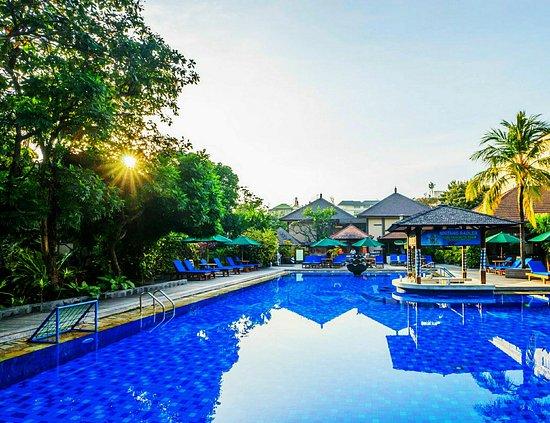 Risata Bali Resort & Spa: Swimming Pool