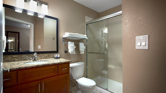Crawfordsville, IN: GUEST ROOM ( WASHROOM)