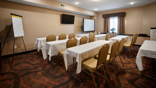 Crawfordsville, IN: MEETING ROOM
