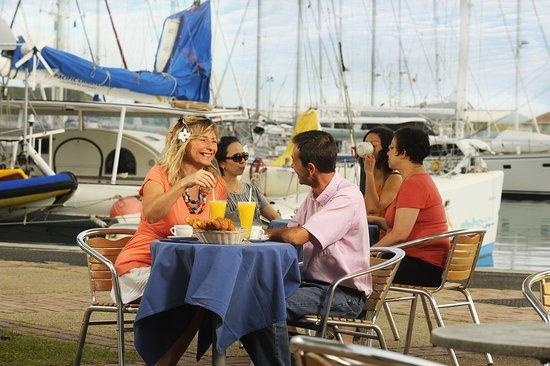New Caledonia: Breakfast in Nouméa