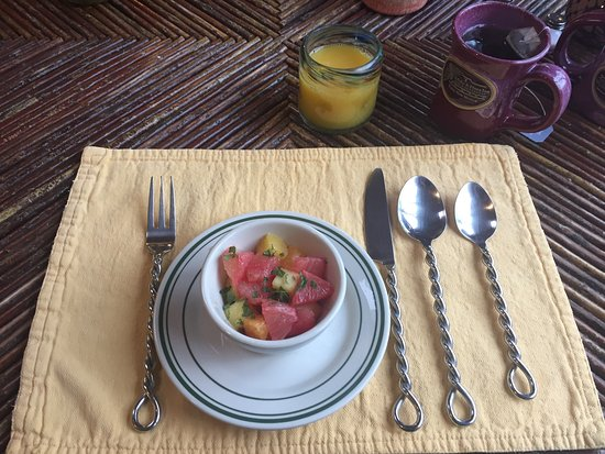 Ranchos De Taos, Nuevo Mexico: Fruit starter at Breakfast, look at the Fork, Spoon, Knife