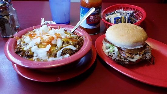 Fort Scott, KS: Chili and Bacon, Cheese burger