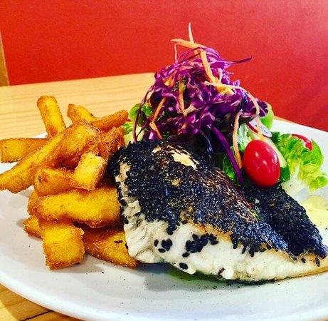 Laurieton, Australia: Village Cafe Restaurant