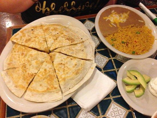 Pizzadilla de Lujo - Picture of San Marcos Resturant, Oklahoma City ...