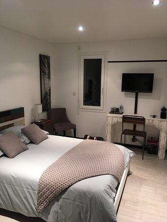 l 39 escapade hotel tourlaville france voir les tarifs 7 avis et 17 photos. Black Bedroom Furniture Sets. Home Design Ideas