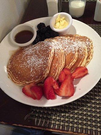 Photo of American Restaurant Sarabeth's at 423 Amsterdam Ave, New York, NY 10024, United States