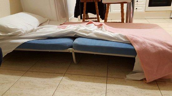 lit de camp billede af clansani san miguel de abona tripadvisor. Black Bedroom Furniture Sets. Home Design Ideas