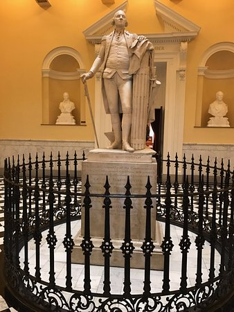 Virginia Capitol Building: Only statue Washington posed for.