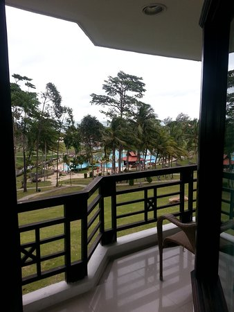 Bintan Lagoon Resort: If your room have beach view, it`s something you will surelly enjoy !