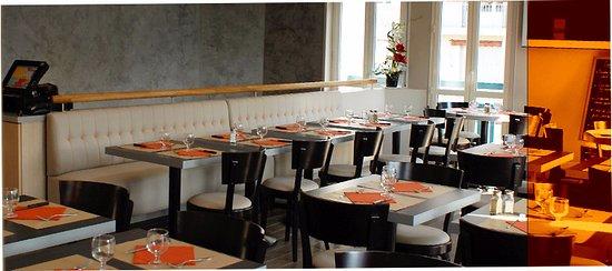 restaurant bar du jardin dans biarritz avec cuisine. Black Bedroom Furniture Sets. Home Design Ideas