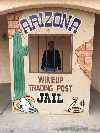 Wikieup Trading Post: Nice place