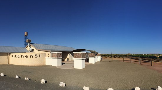 Keetmanshoop, Namibia: Outside view with vineyards