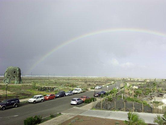 Reklama Biura Podróży Rainbow Widok Z Tarasu Do Opalania Picture