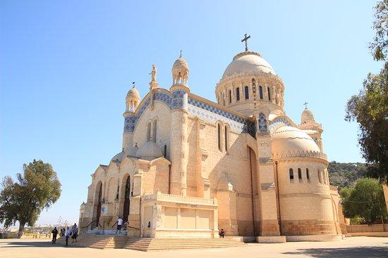 Alger, Argelia: la basilique de Notre Dame d'Afrique