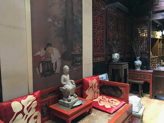 Zen Garden Hotel (Wuyi Yard): The common area where visitors can sip tea.