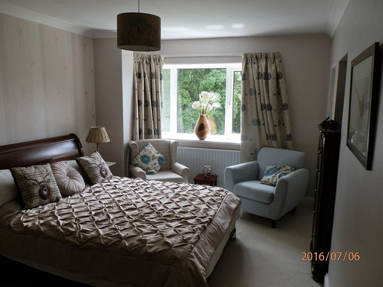 West Quantoxhead, UK: Double room ensuite with balcony