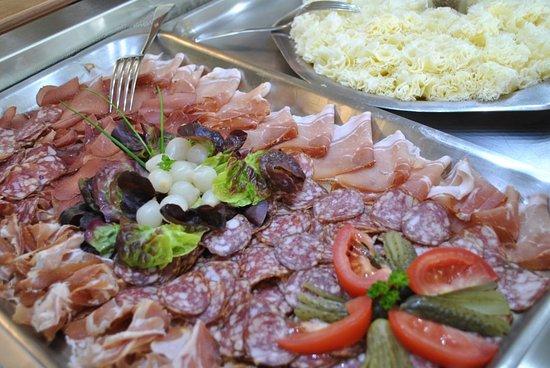 Cold banquet an the Centre de Sornetan