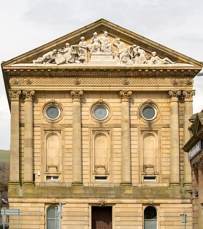 Todmorden Town Hall from Halifax Road