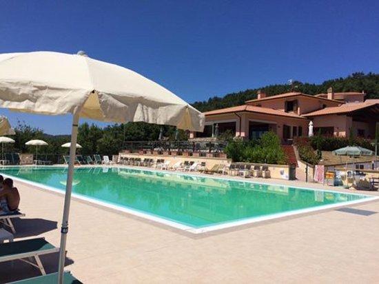 Monteverdi Marittimo, Włochy: Osteria del Castelluccio con piscina