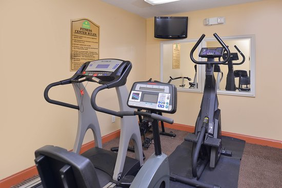 Douglas Inn & Suites: Fitness Room