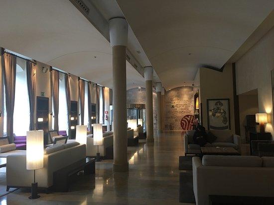 NH Collection Palacio de Burgos: photo2.jpg