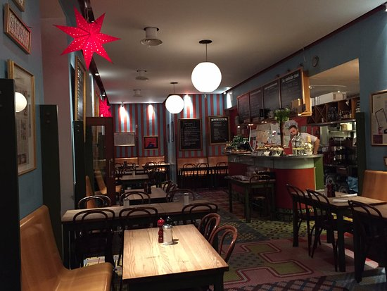Cafe Saturnus : I was early (07:00am) Very nice and comfortable
