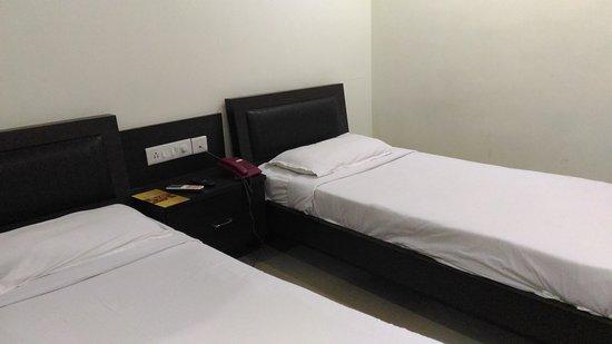 Hotel Swagath Grand : P_20170102_211440_large.jpg