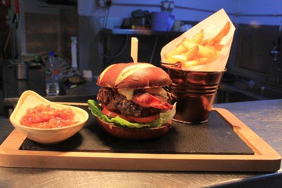 Greasby, UK: Mighty Oak Burger