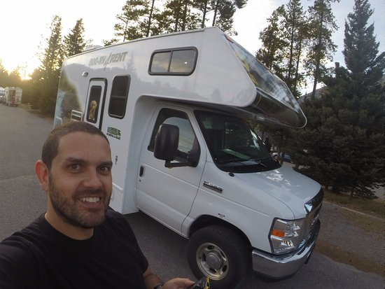 Tunnel Mountain Village II Campground: Local de parada do motorhome