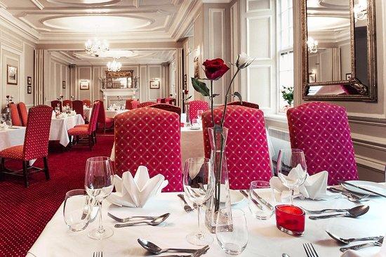 Tavistock, UK: Woburn Restaurant, serving the finest Devon produce in elegant yet relaxed surroundings