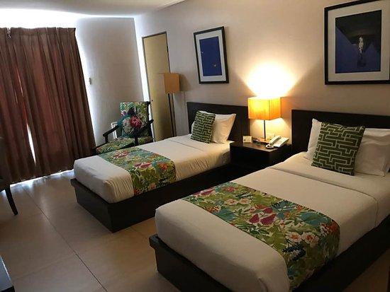 Hotel Kimberly Photo