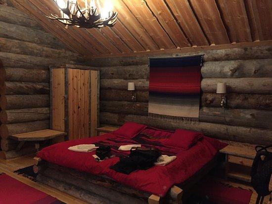 Kakslauttanen Arctic Resort Bed In The 4 Person Log Cabin