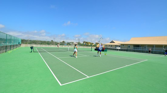 Resorts of Pelican Beach: Two tennis courts at Pelican Beach Resort