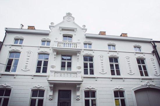 Bilzen, Belgien: Voorgevel Rest. de Verleiding