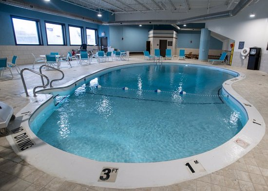Bay City, MI: Enjoy our family friendly pool area!