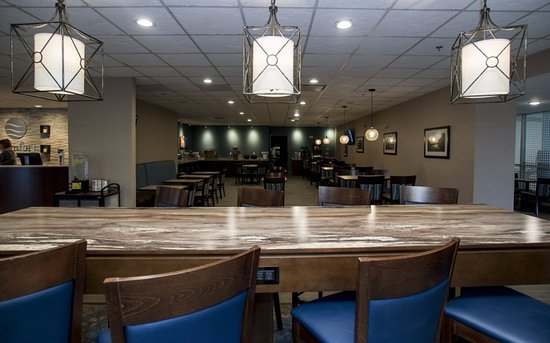 "Bay City, MI: Enjoy our ""Hearty & Healthy"" Breakfast Buffet in the relaxing and spacious breakfast room."