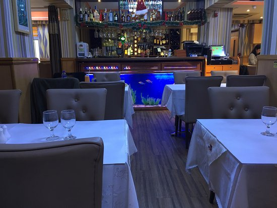 Palki Indian Cuisine: Seating Area