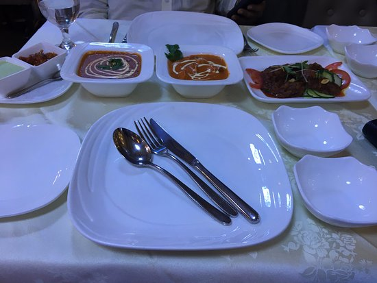 Palki Indian Cuisine: Table Layout