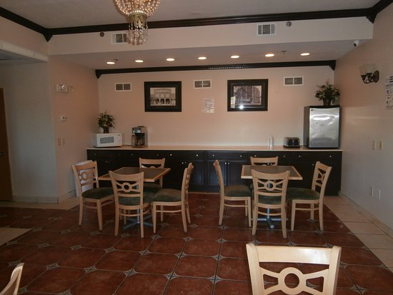 Americas Best Value Inn & Suites - Griffin: Dining Area