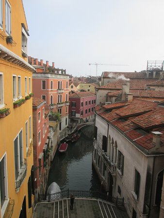 Aqua Palace Hotel: Canal view from the room
