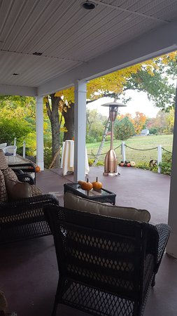 Wolfeboro, Nueva Hampshire: Common area in the back of the Inn rooms