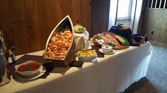 Wolfeboro, NH: Personalized menus for private functions and weddings
