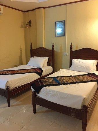 Thavisouk Riverside Hotel: photo0.jpg